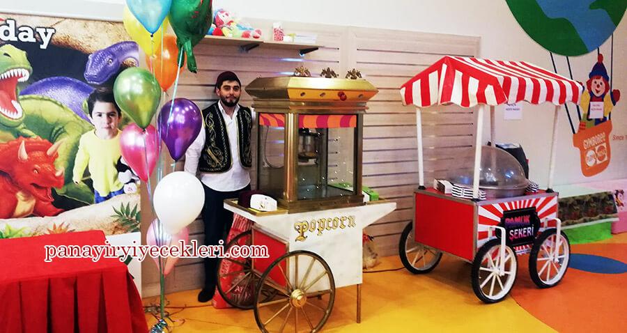 doğum gününde pamuk şeker arabası